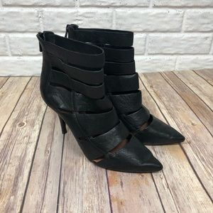 VINCE CAMUTO Healed strapped boot